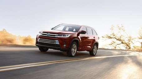 The 2019 Toyota Highlander Hybrid Limited is a