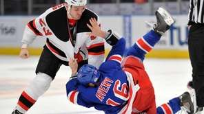 New Jersey Devils right wing David Clarkson (23)