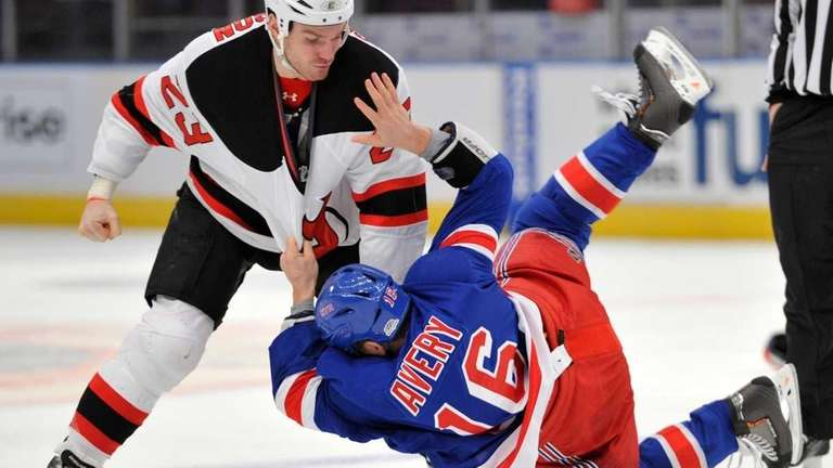 Lundqvist pulled in Rangers  loss to Devils  a7ccc0e71a9