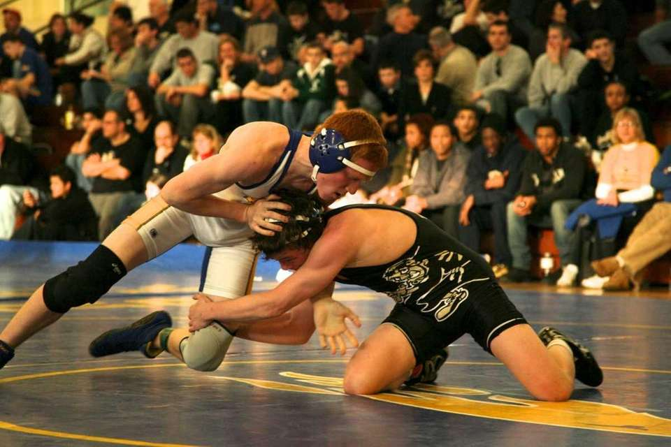 St. Anthony's Jimmy Morris wrestles Kellenberg's Zach Indovino.