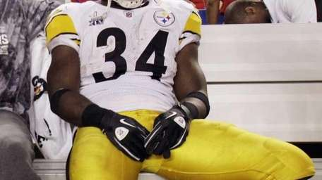 Pittsburgh's Rashard Mendenhall looks on during the second