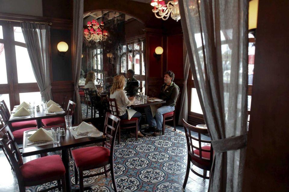 Aperitif Bistro Lounge Wine Bar (240-242 Sunrise Hwy.,