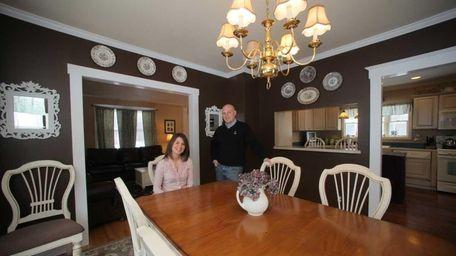SAYVILLE, NY, Feb. 5, 2011: Jamie and Emily