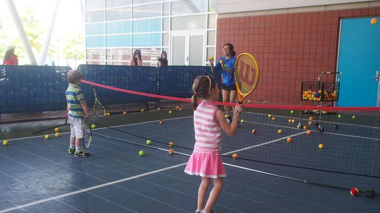 New York Tennis Expo at Nassau Coliseum to offer families free