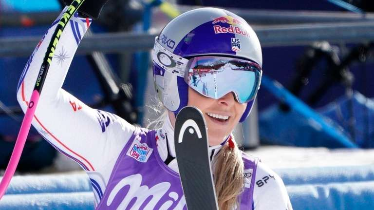 United States' Lindsey Vonn waves at the finish