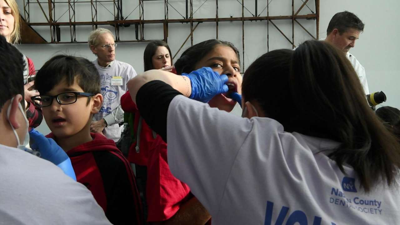 Volunteer dentists on Friday offered free oral examinations