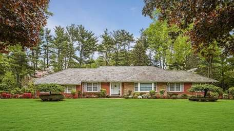This Old Westbury ranch, with four bedrooms and