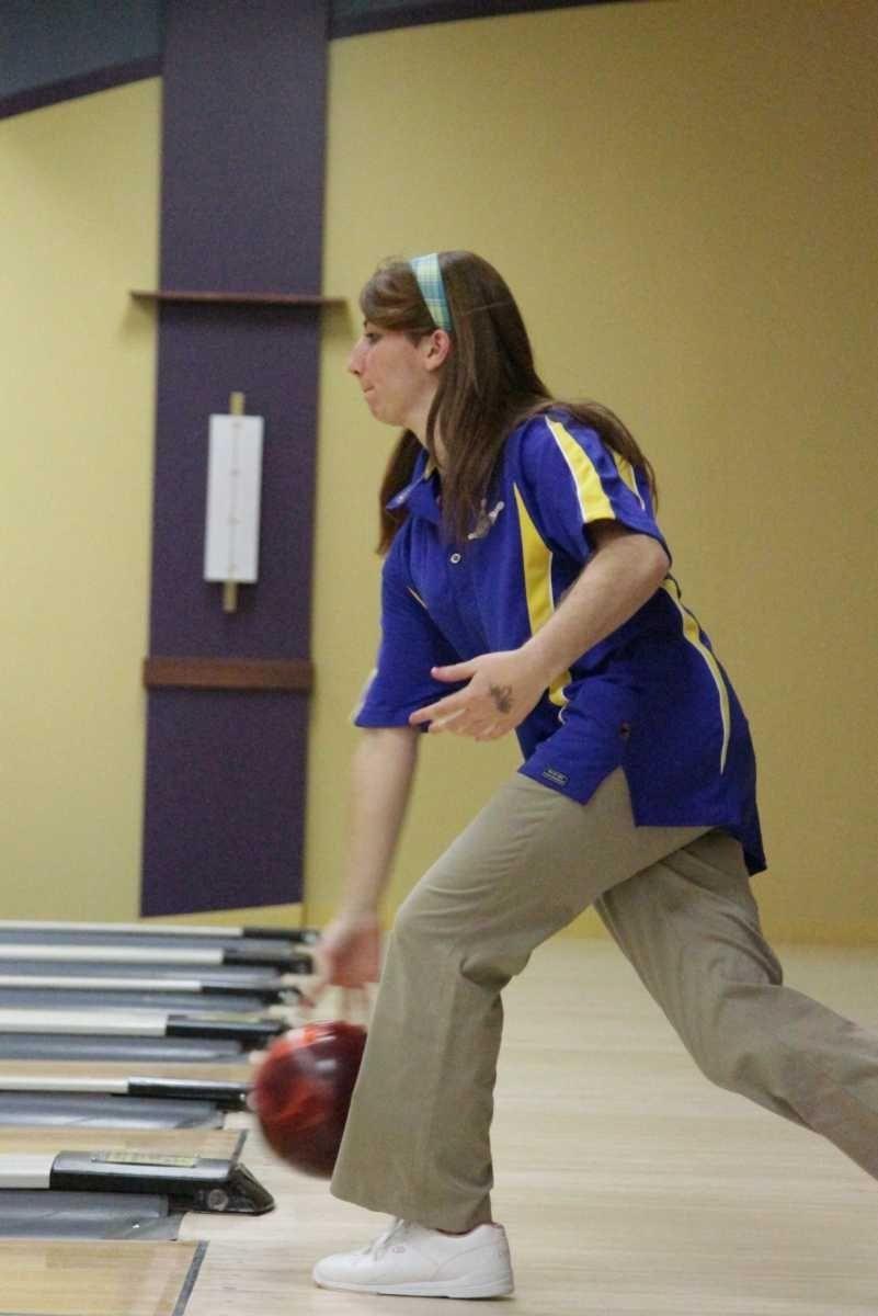 Monica Weitekamp of Kellenberg HS bowls in the