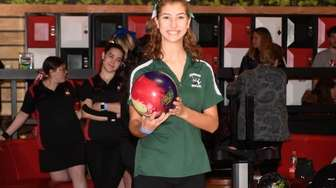 Longwood's ReAnne Southard readies to bowl during the