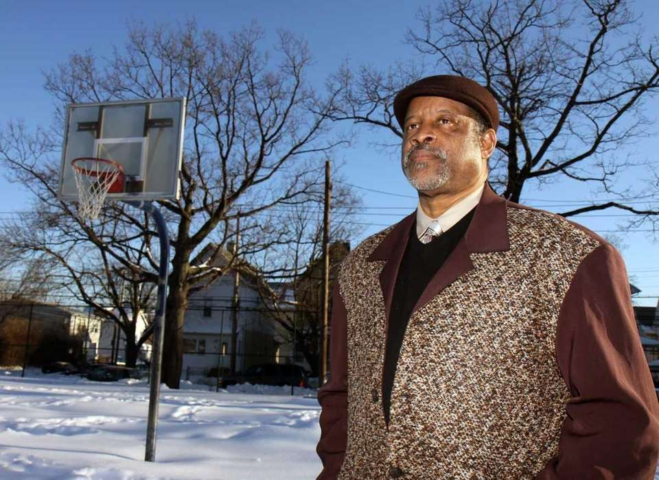 Former Knick Ray Williams, once homeless and living