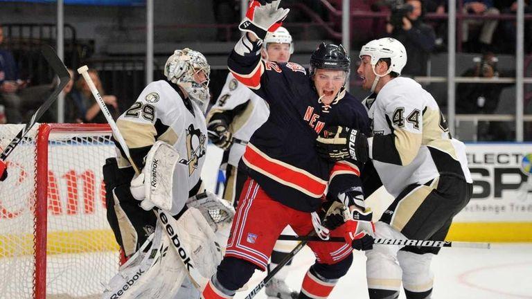 New York Rangers center Artem Anisimov (42) reacts