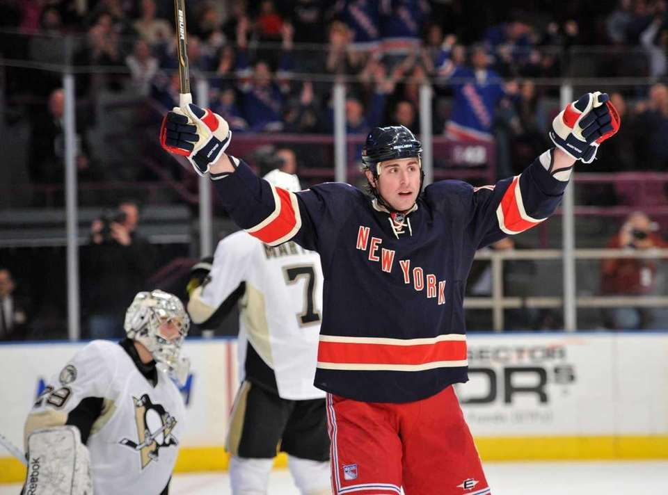 New York Rangers center Brandon Dubinsky (17) celebrates
