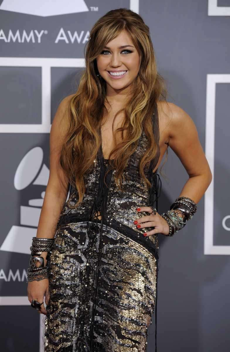 Miley Cyrus arrives at the 53rd annual Grammy