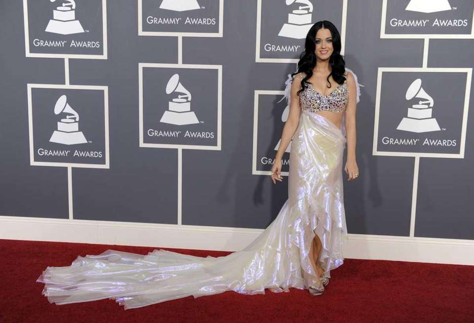 Katy Perry arrives at the 53rd annual Grammy