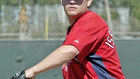 St. Louis Cardinals relief pitcher Jason Isringhausen pitches