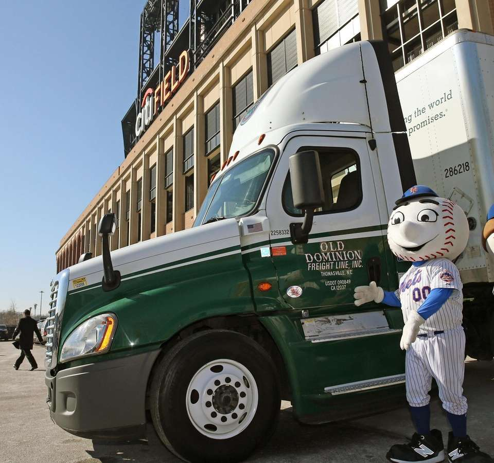 Mets equipment truck gets ready to take off