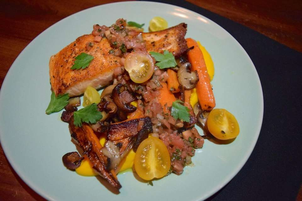 King salmon with carrot puree, mushrooms and sauce