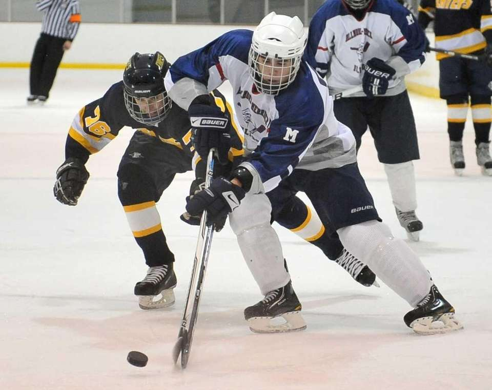 Massapequa's Tyler Von Wieding, left, and Bellmore-Merrick's Aiden