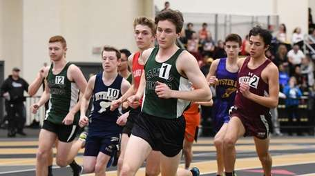 Seaford's Jason Linzer leads the pack at the