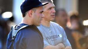 New York Yankees manager Joe Girardi speaks with