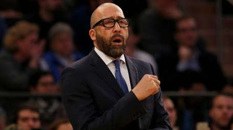 Head coach David Fizdale of the Knicks looks