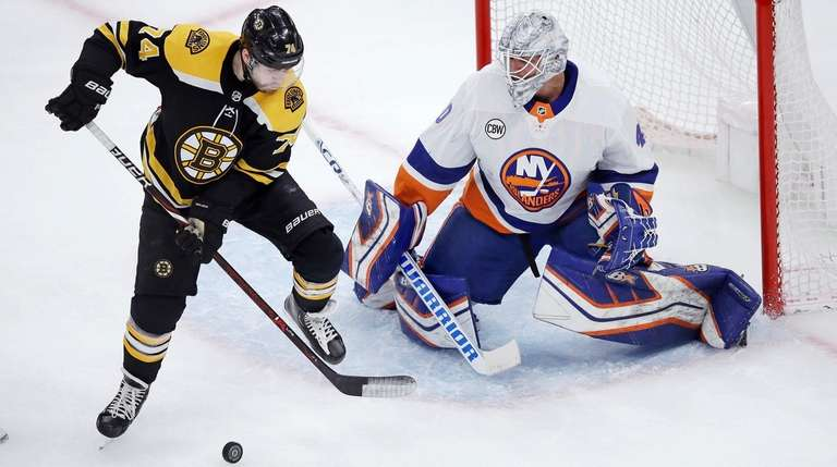 7ebbc7c2bde Islanders lose to Bruins after potential go-ahead goal is waved off ...