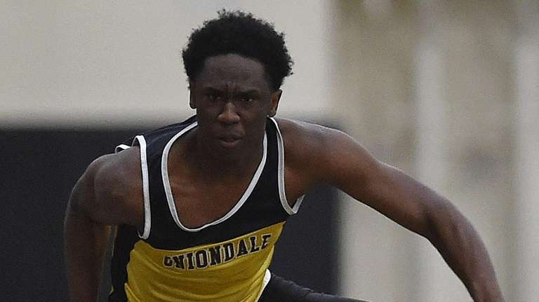 Asiel King of Uniondale competes in the boys