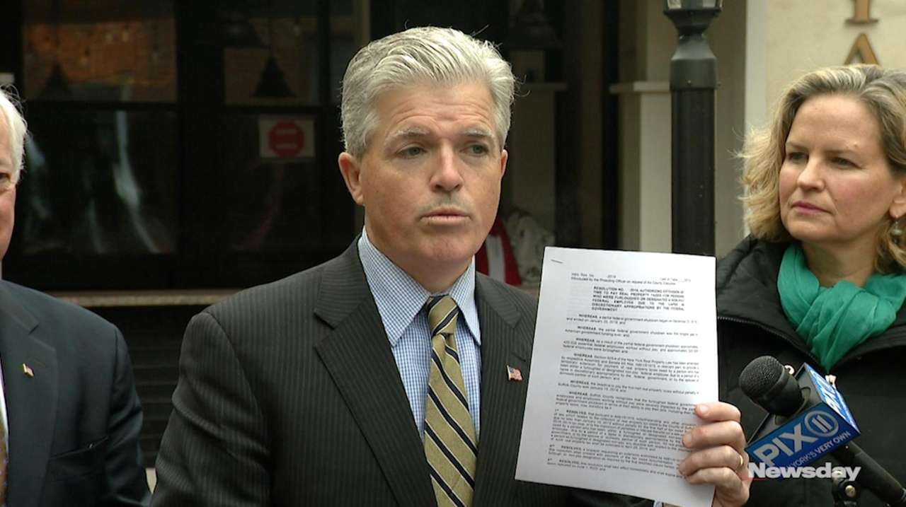 Both Steve Bellone and Laura Curran announced on