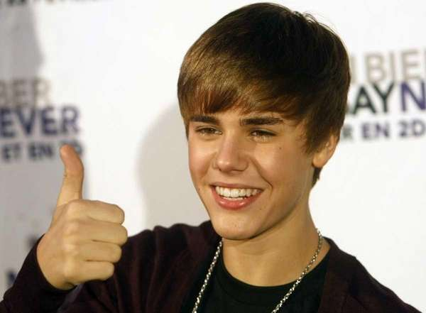 is justin bieber and selena gomez dating 2011. child, Is