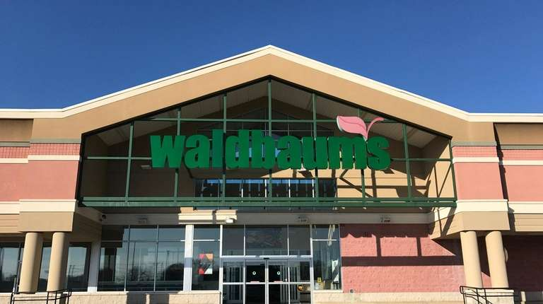 The former 56,759-square-foot Waldbaum's supermarket at 4054 Nesconset