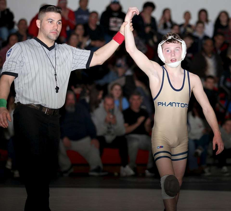 Bayport Blue Point's Max Gallagher gets the victory