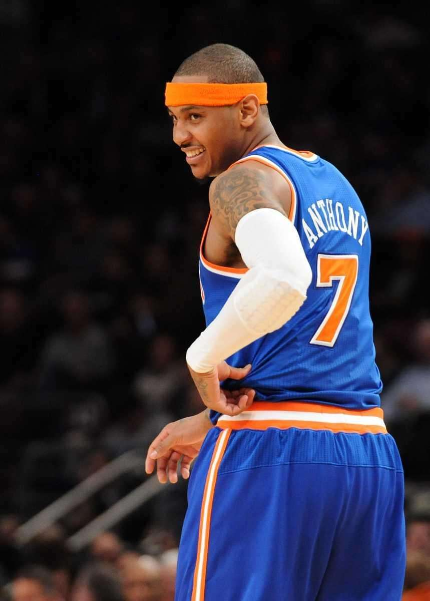 Knicks forward Carmelo Anthony (7) reacts to the