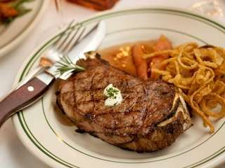George Martin's Strip Steak in Great River offers