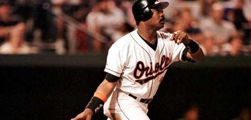 12) EDDIE MURRAY, 3,255 career hits 21 seasons,