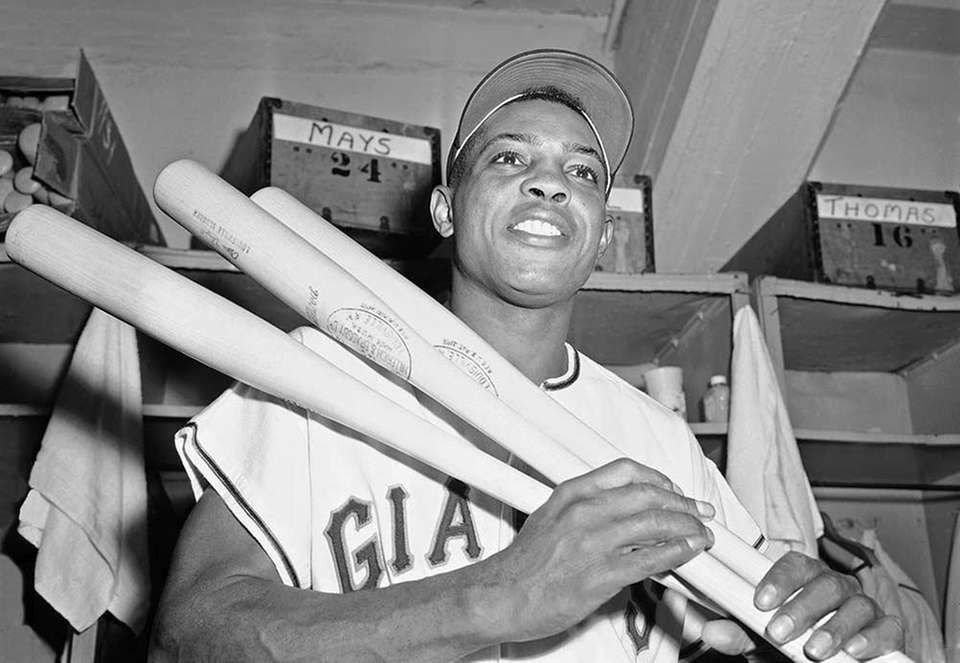11) WILLIE MAYS, 3,283 career hits 22 seasons,