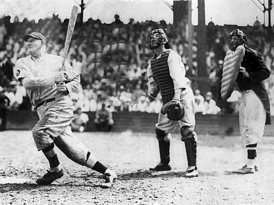 HONUS WAGNER, 3,430 career hits 21 seasons, 1897-1917
