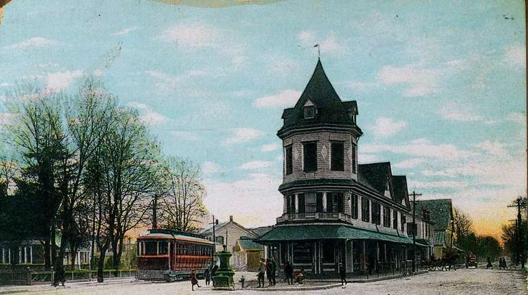 Amityville Post Office at Broadway and Park Avenue