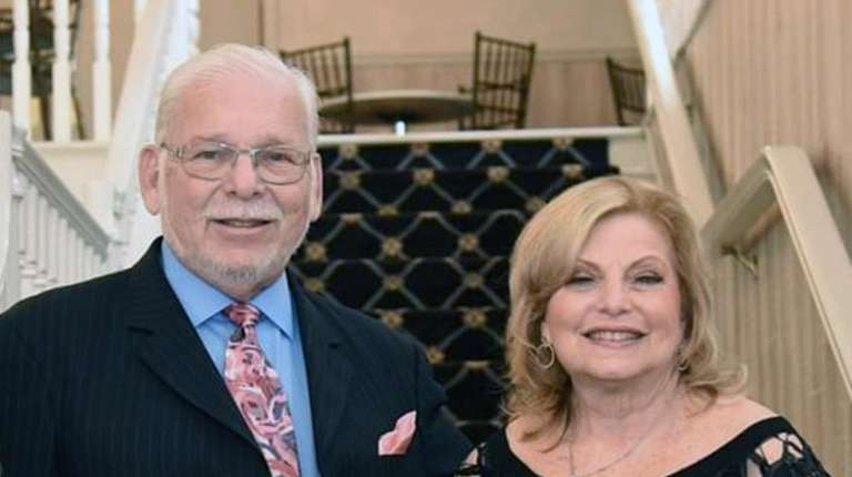 Jerome and Randee Weingarten, both in their 70s,
