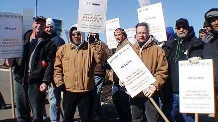 Carpenters protesting in Melville