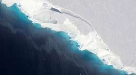 An aerial view of Thwaites Glacier in the