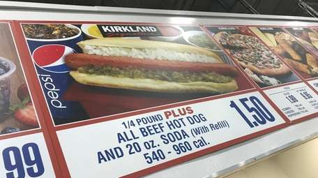 Costco's $1.50 hot dog and drink are advertised