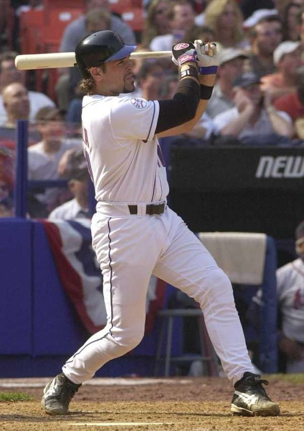 CAREER SLUGGING PERCENTAGE: MIKE PIAZZA, .542 (min. 500