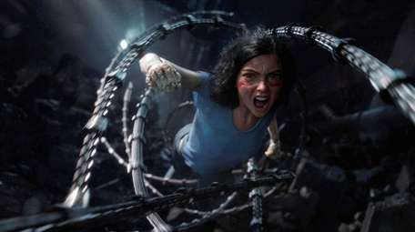 Rosa Salazar stars as Alita in Twentieth Century