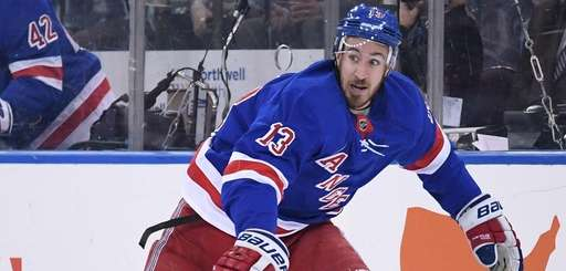 Rangers center Kevin Hayes against the Toronto Maple