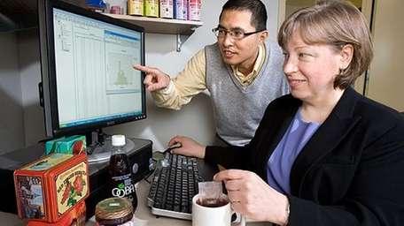 USDA Antioxidants Research Laboratory scientists Diane McKay and