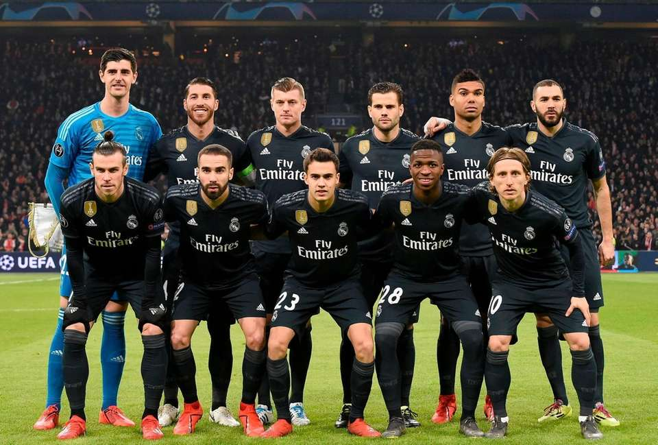 Real Madrid's players pose for a team picture