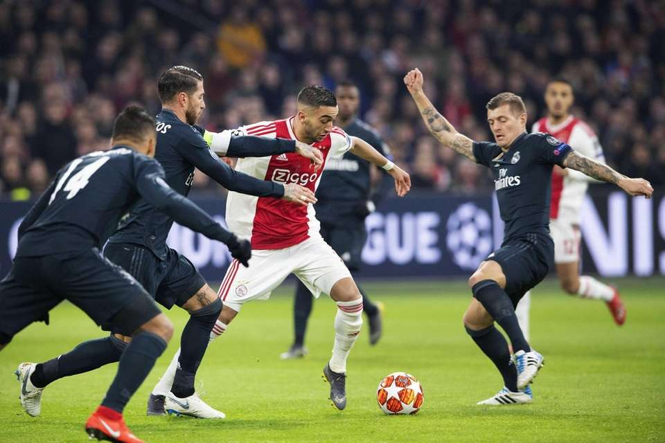 Hakim Ziyech (C) of Ajax Amsterdam in action