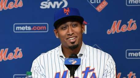 New York Mets Edwin Diaz reacts during a