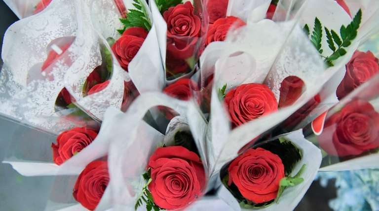 Roses for Valentines Day at the 1-800-Flowers.com retail