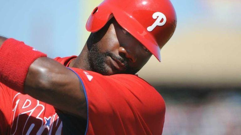 Ryan Howard of the Philadelphia Phillies swings in
